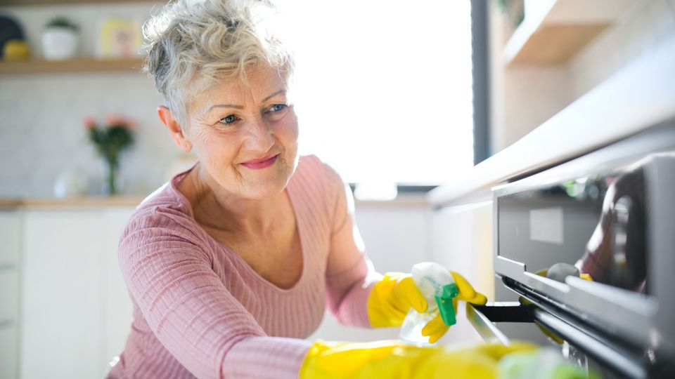 bäst rengöringsmedel för ugnen